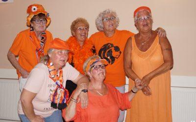 Oranje dansen bij de Big Wheel Dansers Utrecht 2021